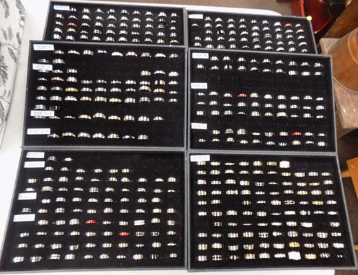 6 Trays & approx 750 stainless steel rings