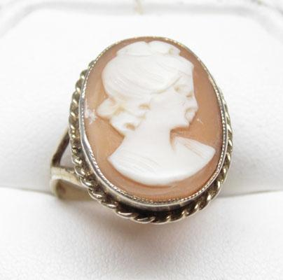 Large silver old Cameo ring size Q
