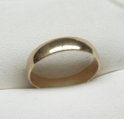 9ct Gold plain band (wedding ring) size L