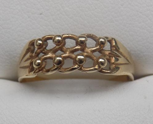 9ct Gold keepers ring size P1/2