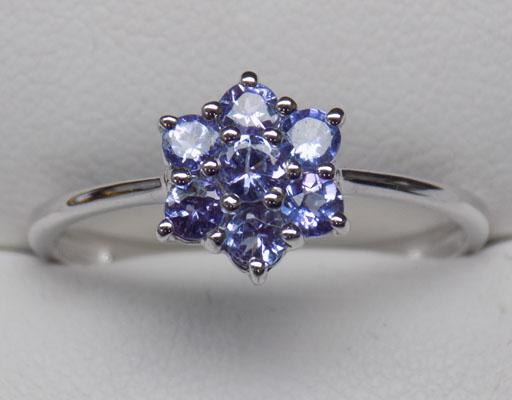 9ct White gold Tanzanite cluster ring size V1/2
