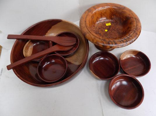 Selection of treen bowls