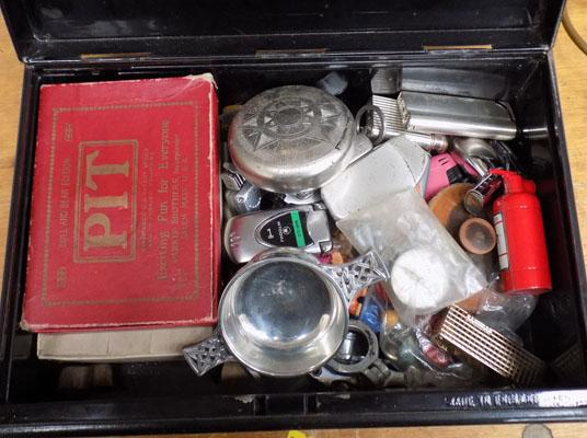 Tin box with key, incl lighters, clay pipes etc