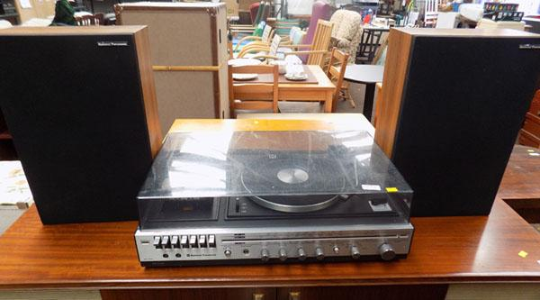 National Panasonic record & cassette player with speakers