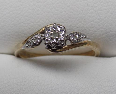 9ct Gold diamond ring with Accents size J1/2