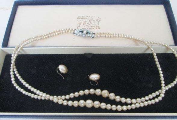 Set of Pearls & ear rings