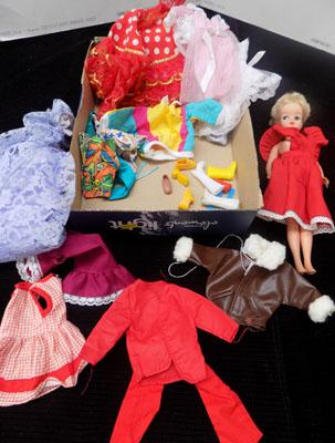 Vintage Sindy doll & clothes