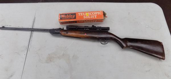 Webley & Scott .22 'Falcon' air rifle & sight