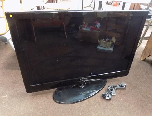 "40"" Samsung flat screen TV"