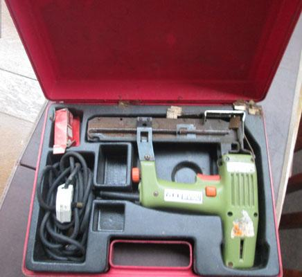 Novus nail gun in box