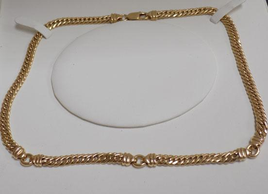 Very unusual 9ct gold necklace