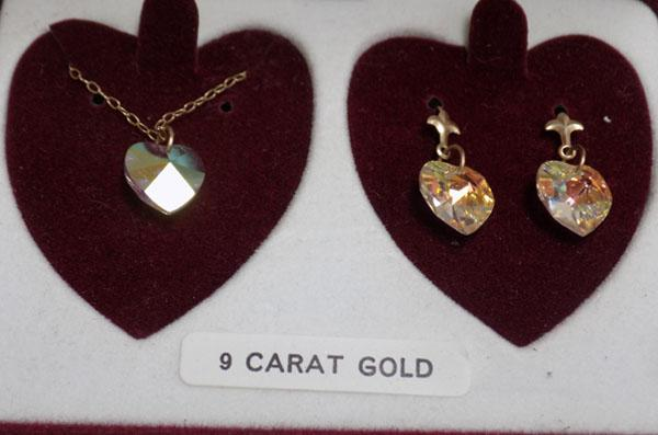 9ct gold crystal earrings and necklace set