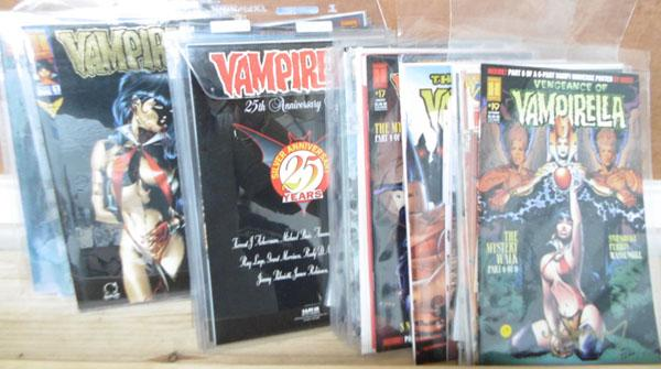43 Vintage Vampirella magazines inc Special Editions with certificates-mint condition