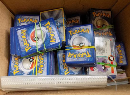 Large collection of Pokemon & Trading Cards