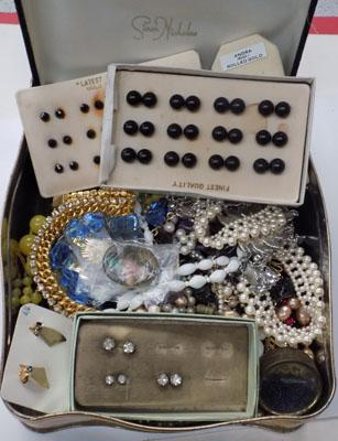 Selection of costume jewellery and vintage