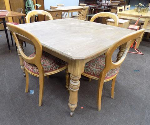 Pine table & 4 balloon back chairs