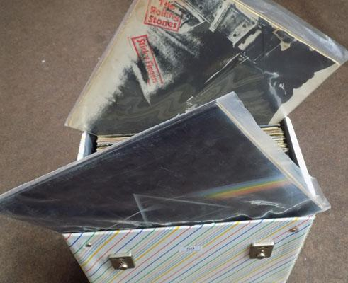 Box of records incl. Pink Floyd, Rolling Stones & AcDc