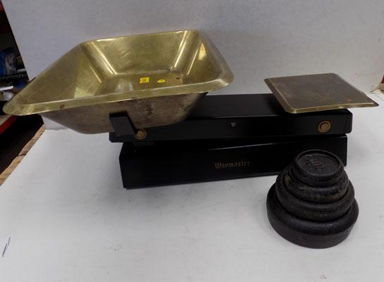 Set of scales and weights
