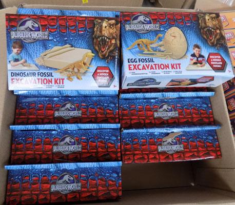 12 Jurassic world excavation kits