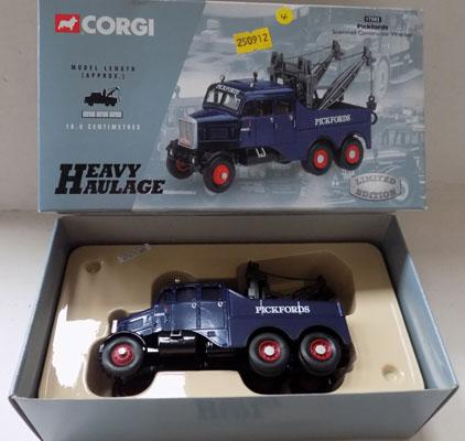 Boxed Corgi heavy Haulage Ltd Edition no 17502, Pickfords scamel