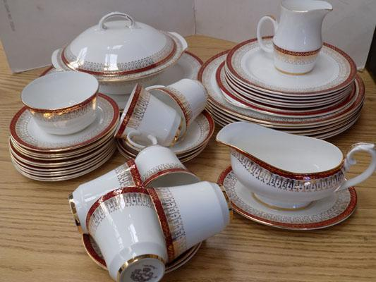 Royal Grafton dinner service