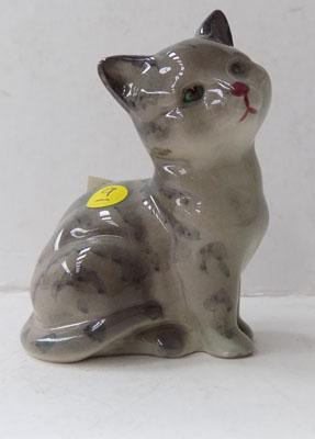 Royal Doulton grey/black kitten