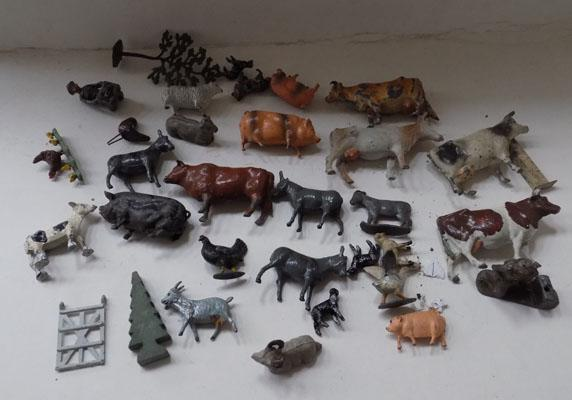 Collection of 1930's/40's Britains/Charbens lead farm animals