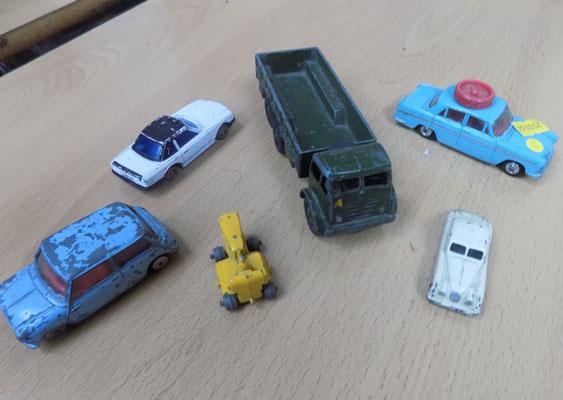 Small selections of vintage diecast inc: Dinky and Lesney