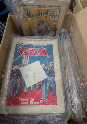 Box of vintage 1930's magazines - Mahgnet & Gem