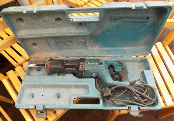 Makita 240 volt reciprocating saw in box - good working order