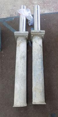 2 telescopic security posts