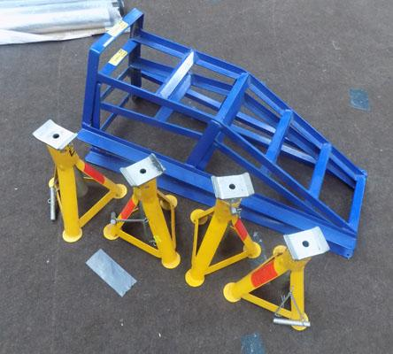 Pair of car ramps and 4 axle stands
