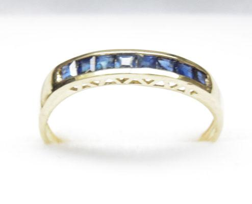 9ct gold sapphire half eternity ring  - size O 1/2