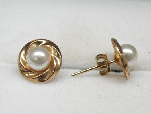 Pair of 9ct gold and faux pearl earrings