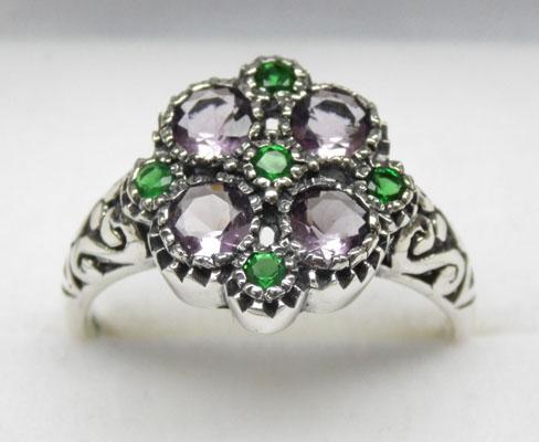 925 silver amethyst and emerald cluster ring - Size P