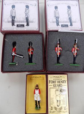 4 pairs of Scott's Guards, present arms, boxed & boxed guard