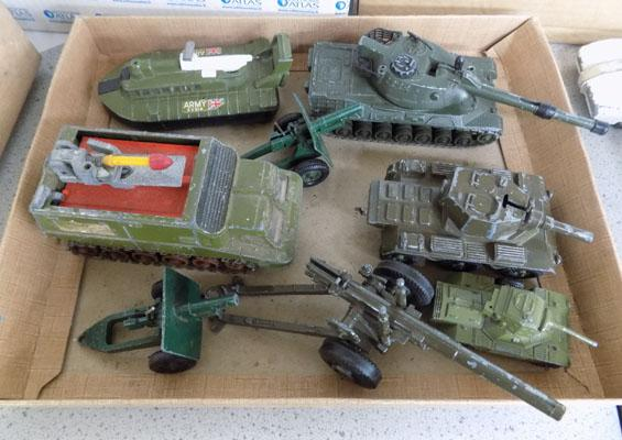 Collection of 1960s/70s Dinky military diecast (2 Guns Cresent)