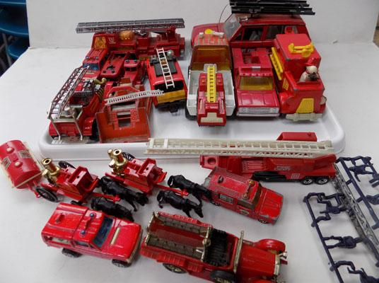 Tray of fire engines - Dinky, Lesney, Matchbox etc..