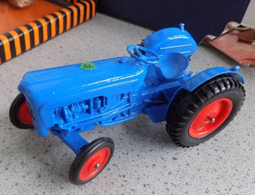 1950s Cresent large scale Fordson tractor (mint condition)