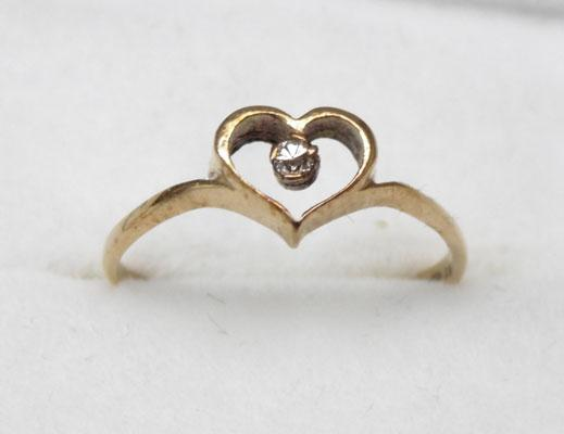 9ct Gold & Diamond solitaire Heart ring size J