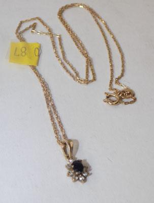 9ct gold sapphire pendant on 9ct gold chain