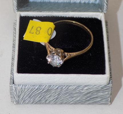 9ct gold clear stone ring