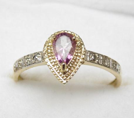 9ct Gold Amethyst & diamond ring size O1/2