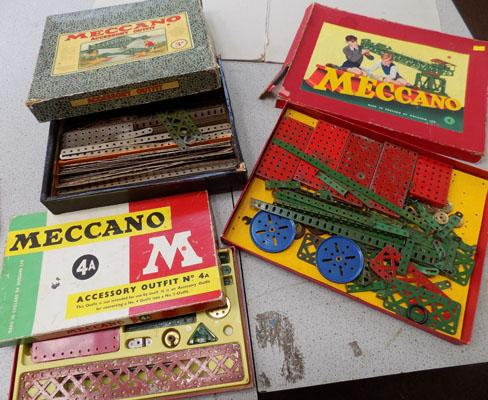 3 boxes of Meccano 1950s/60s - large lot