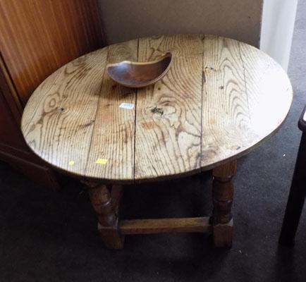 Small oak occasional table & small bowl