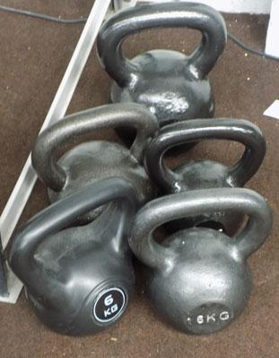 5x Kettle bells in various weights