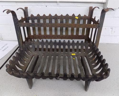2 fire grates (1 Victorian)