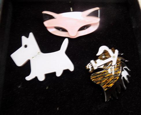 3x Lea Stein style brooches