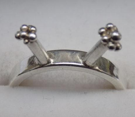 Unusual 925 silver ring - Size L