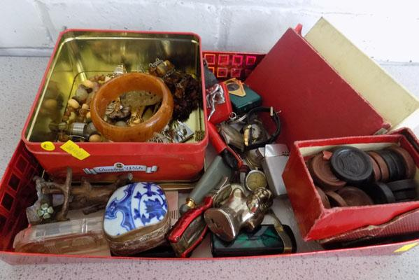 Quantity of vintage lighters, watches, jewellery and collectables